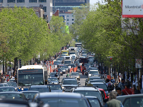 Traffic congestion and montreal s love of one way streets for Meubles montreal rue st laurent