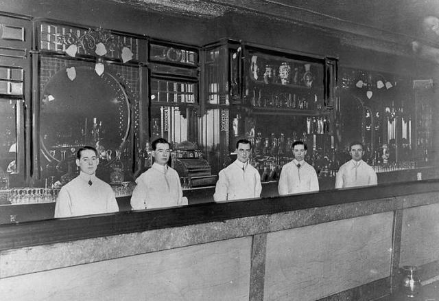 Bartenders_BW