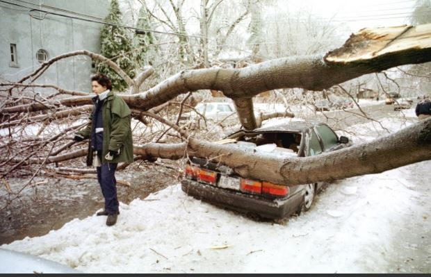 1998 Ice Storm in Montreal RICHARD ARLESS JR / MONTREAL GAZETTE