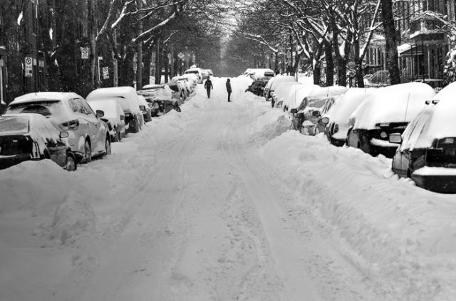 13-12-15-snowy-street-on-le-plateau-1